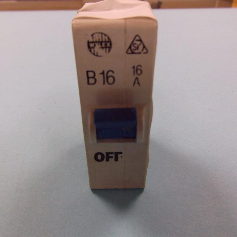 Wylex B16 16 amp MCB Plug In Standard