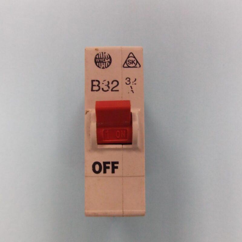 Wylex B32 32 Amp MCB Plug-in