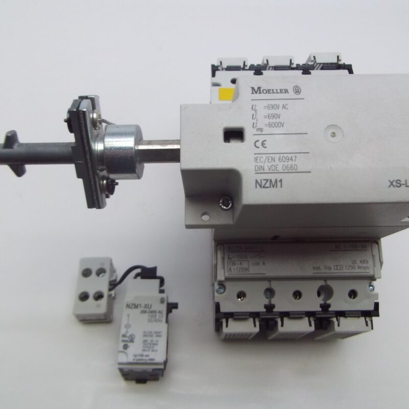 Disconnection Switch with Under Voltage Release