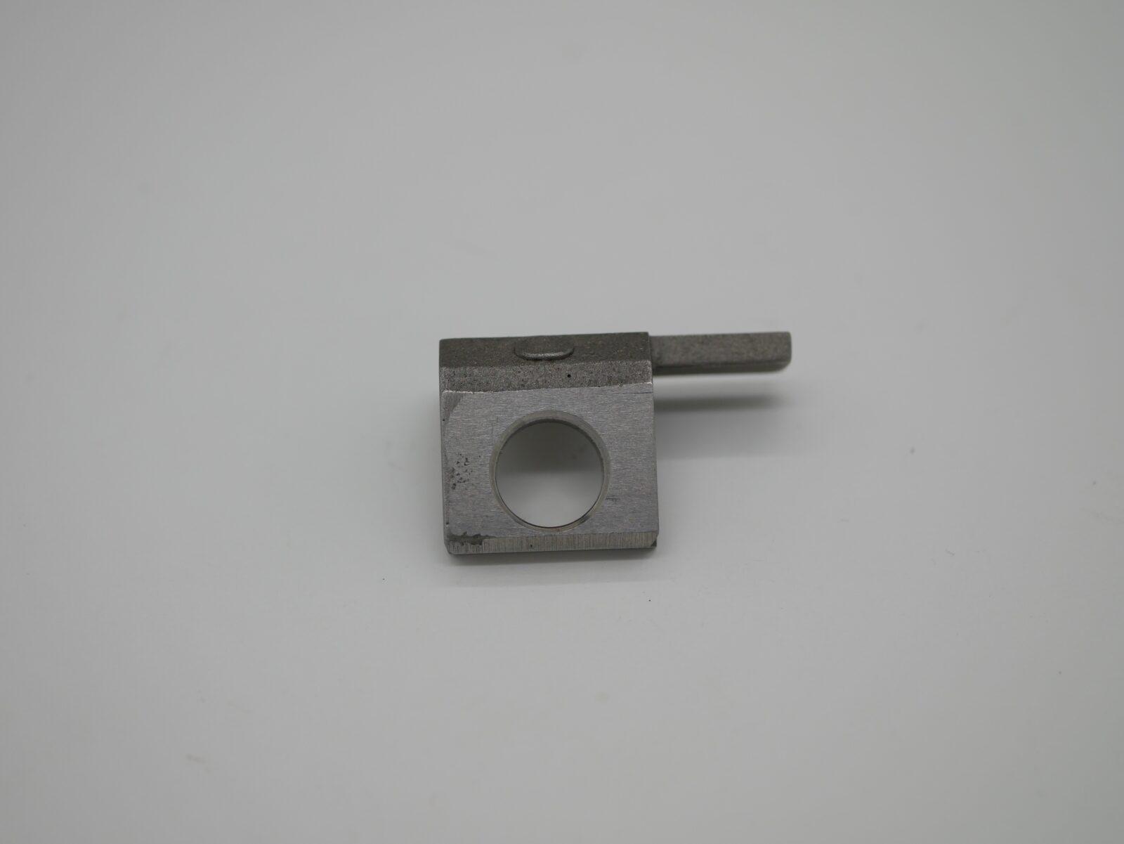 XL105 Steel Winged Transfer Gripper R/H HDM: F4.005.125